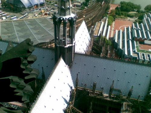 Blick aus dem Südturm auf die Vierung des Kölner Doms